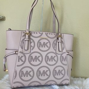 Michael Kors Voyager EW Shoulder Tote Bag